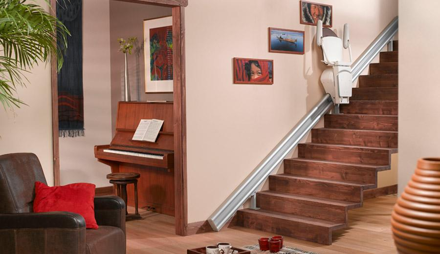 monte escalier pour escalier droit l 39 int rieur ou l 39 ext rieur demandez un devis. Black Bedroom Furniture Sets. Home Design Ideas